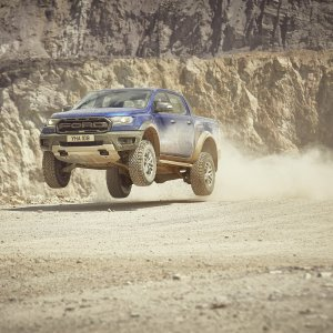 2018_FORD_RANGER_RAPTOR_WILDTRAK_Shot9_34FrontDynamic_Jump_01.jpg