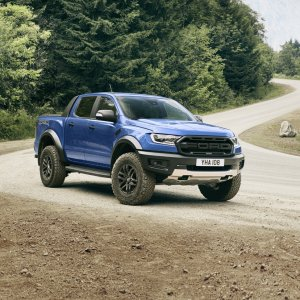 2018_FORD_RANGER_RAPTOR_WILDTRAK_Shot17_34FrontStatic_Tarmac_06.jpg